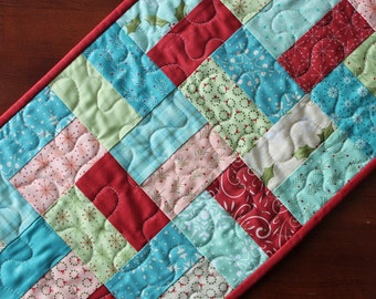 Christmas Table Runner, Very Merry Table Runner, Aqua Quilted Christmas Table Runner, Christmas Table Topper, Pink Blue Green Aqua Red
