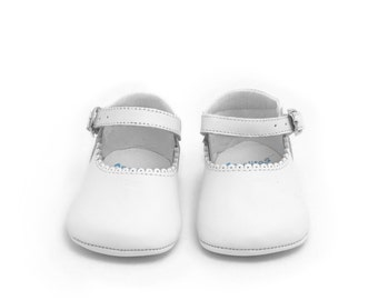 Baby moccs white Leather Mary Janes Merceditas baby shoes, Infant Booties