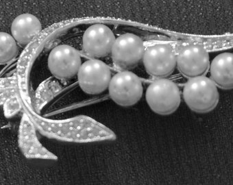 Antique Pearl Brooch with tiny rhinestones set in silver foil