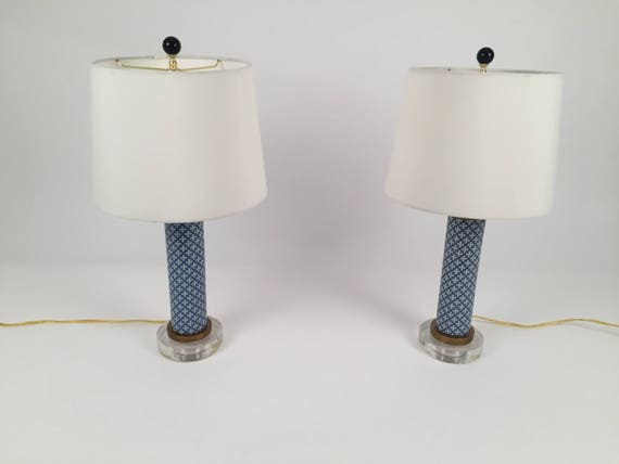 Pair table lamps Asian style Porcelain blue & White