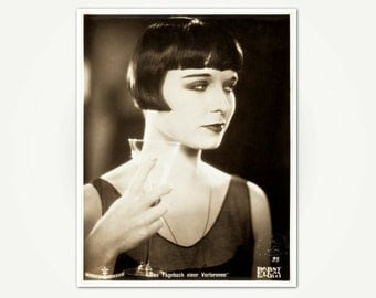 Louise Brooks in Diary of a Lost Girl - Louise Brooks Photo from 1929 Film Classic