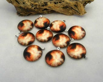 Solar Flare 2 - 20 mm Cabochons with Silver Plate Backs - Pack of 10 (1232 - M9)