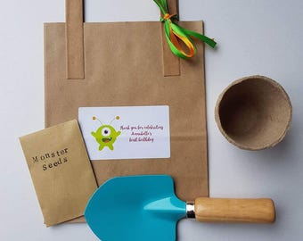 Fabulous Gardening paper party bag/busy bag great for children's parties. 3-7 yrs