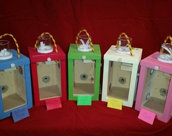 Painted Mini Beezza Huts( shipping is extra) Comes with 2 Mini Huts. Please specify colors.