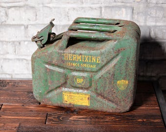 Jerrican BP Thermixine green and rusty from France