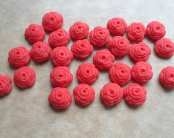 100 Edible fondant sugar Tiny Roses - Red - Cupcake / Cake Toppers