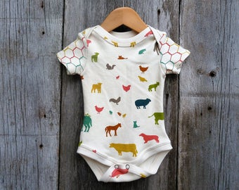 Organic baby bodysuit, Farm baby, Gender neutral baby gift , similar to onesie, baby girl gift, baby boy gift, organic bodysuit, chicken