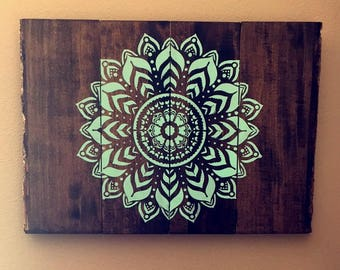 Rustic Wooden Pallet Mandala Medallion Wall Decor