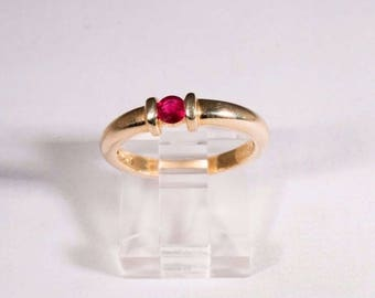 14K Yellow Gold Ruby Ring, size 6.5