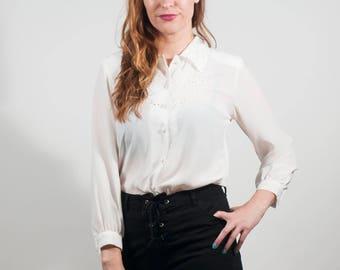 Vinatge scallop blouse, 90s white button up, Lace blouse, Secretary top, 80s button up, Scallop collar, Lace detail blouse