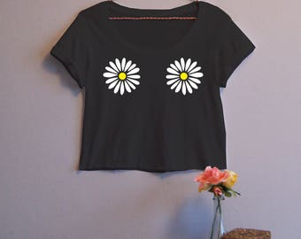 Daisy Flower Women's Crop Tee