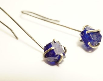 Earrings in Sterling Silver - stones rough sapphires. Forged and aged by hand - Design Nature and mode - B 3056