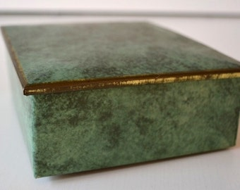 Vintage Tin green melliert cover with inscription ' Lohrana coffee beans ' storage catcher decor prop patina