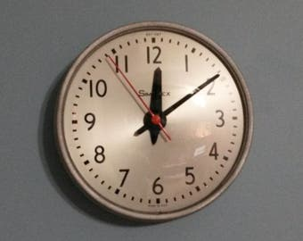Vintage Simplex wall clock in working condition, Vintage school clock, All metal clock, Electric wall clock, Industrial Clock, Office Clock