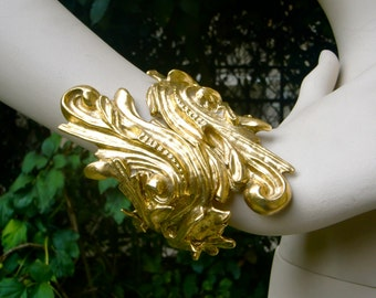 CHRISTIAN DIOR Baroque Golden Cuff