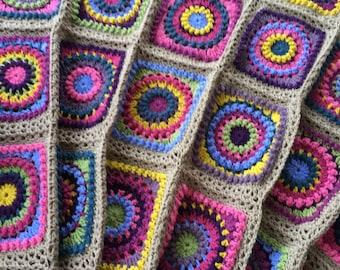 Circle Square crochet blanket