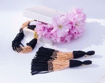 Beaded tassels stud post earrings•Long beaded tassels earrings•Beaded bracelet•Clip on earrings•Long earrings•Dangle earrings•Chandelier
