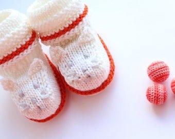 Knitted baby booties. 100% merino wool. Gift for baby - newborn. Baby shower gift. MADE TO ORDER!