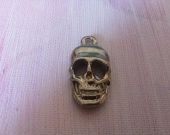 Pendant skull