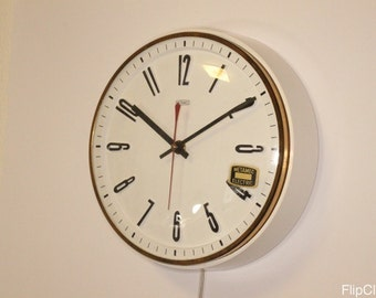 Metamec wall clock, white, bakelite and near mint!