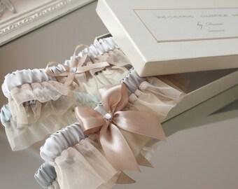 pale gold wedding garter set, dark ivory bridal garter set, dark ivory tulle garter set, dark ivory toss garter set, plus size garter set