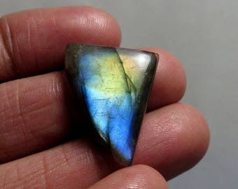17Cts 30X20X4mm Awesome Labradorite Fancy Shape Loose Gemstone Cabochon Pebble Palm  Gemstone For Jewellery Making B-0206