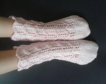 Crocheted socks of thread for girl/o hand (crochet)