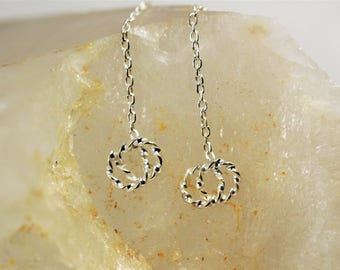 Small hoop threader, Silver chain threader, Dangle earring, Long elegant threader, Pull through earring, Modern earring, Edgy jewelry
