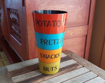 Vintage Snacks Serving Bowls Set (4) Chips, Nuts, Pretzels, Snacks / 4 bols plastiques colorés retro, pour amuse-gueule