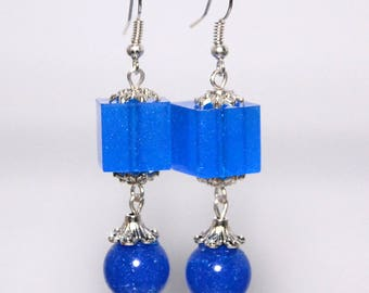 Earrings with stones in resin, silver finish