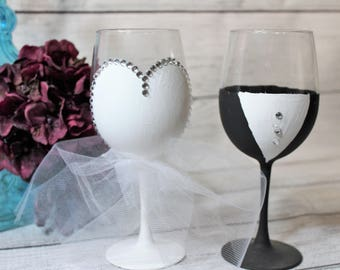 Bride and Groom-- Wedding Wine Glasses-- Wedding-- Gift-- Wedding Supplies