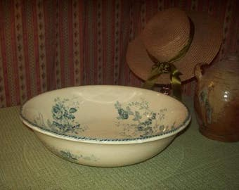 A great old toilet bowl or bowl
