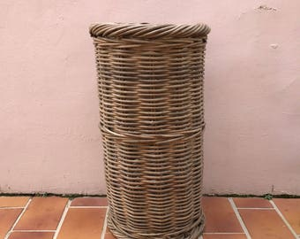 Vintage MIDDLE SIZE French Wicker BAGUETTE bread basket 0405176