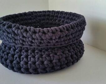 Crochet basket, storage, navy t-shirt yarn crochet basket, crochet bowl, 15cm diameter.