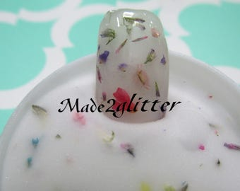 Acrylic powder with dried flowers nail art