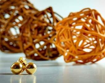 Solid 18k Gold Stud Earrings