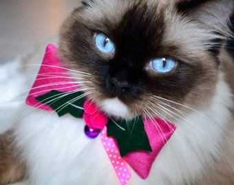 Christmas cat bow tie 'Holly berry' - cat bow tie with collar and bell - Christmas luxury cat collar - Holly berry cat collar bow tie
