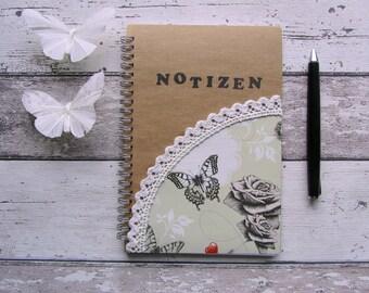 Notizbuch, Notizblock, Ringbuch, Vintage, Schmetterlinge, Rosen, Spitze, natur, cardboard von Frollein KarLa