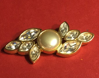 Vintage SAL with Swarovski Crystals and Faux Pearl Brooch