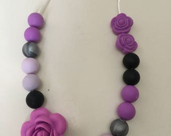 Nursing necklace/ teething necklace/ chewing necklace/ senosry beads/ gift for new mom/ baby shower gift/ silicone chew beads/ bpa free bead