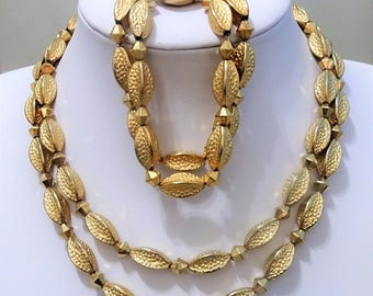 Signed CORO PEGASUS - Demi Parure - Gold Tone Metal Beaded 2 row necklace & bracelet - 1945 - gift for woman - mothersday gift