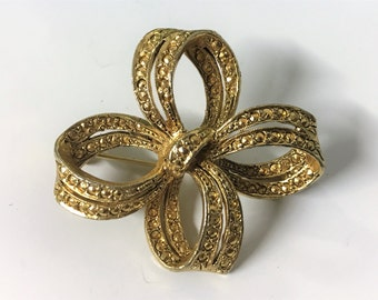 A Lovely Vintage Gold Tone, Marcasite Style Ribbon, Bow Brooch