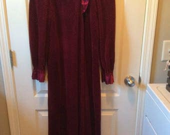 Vintage Women's Robe by Donna Richard for Gilligan O'Malley