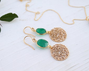 Gold earrings with green onyx
