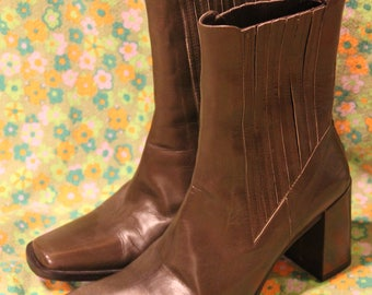 Vintage Donald J Pliner Army Green Pull On Boots