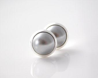 stud earrings *silver dot*