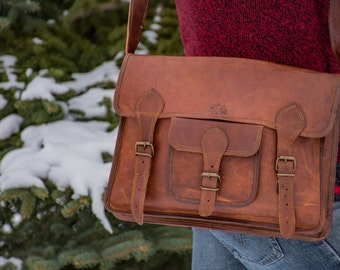 Rustic Leather Messenger Travel bag - 1920's Vintage inspired Leather Handmade bag/CarryOn/Briefcase/Sale/Hiking/Adventure/Christmas