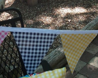 Vintage Look Oilcloth Gingham Check Bunting