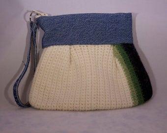 Women's Felt Wristlet // Handmade Clutch with Zipper and Jean Handle