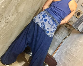 Indigo embroidered pants